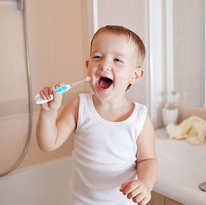 Зубная щетка для детей от появления первых зубов