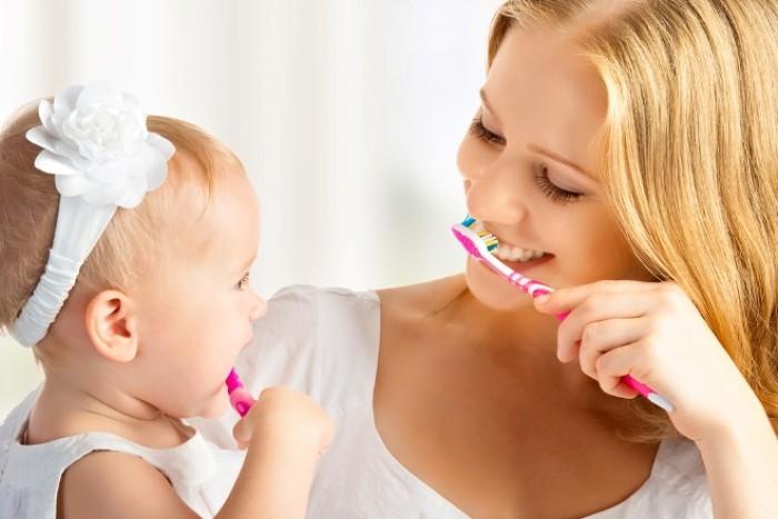 Как правильно ухаживать за зубами малыша